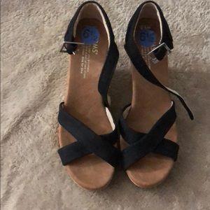 Shoes - Toms platform Wedge sandal  W 6 1/2